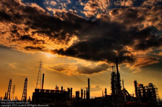 工場は燃えているか。