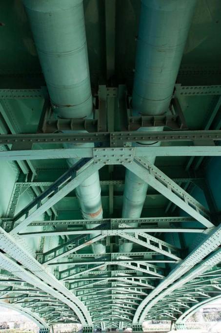 鉄骨愛 橋の裏