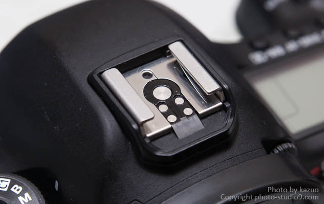 カメラ 電子接点のお手入れ ホットシュー