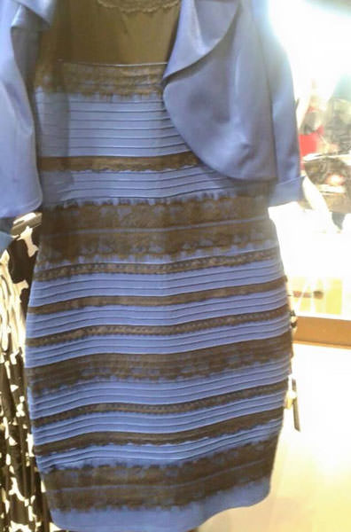 ドレスの色騒動