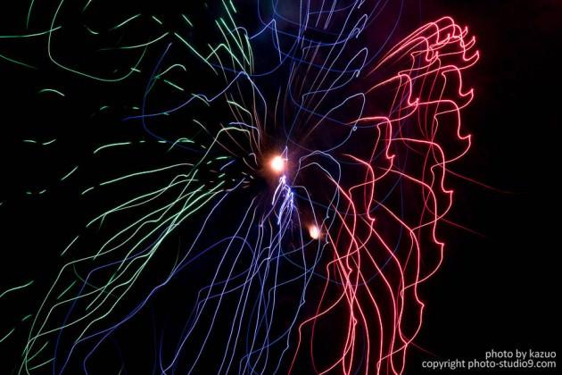 アートな花火の撮り方 カメラを動かす