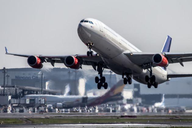 SK A340-300 NRT