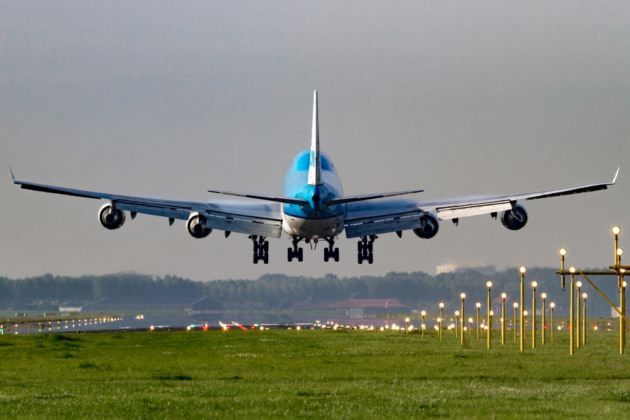 KL 747-400 AMS 2